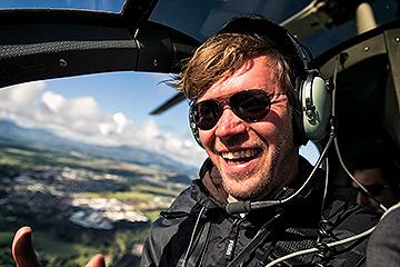 Ben Kriemann im Helikopter über Kauai, Hawaii.